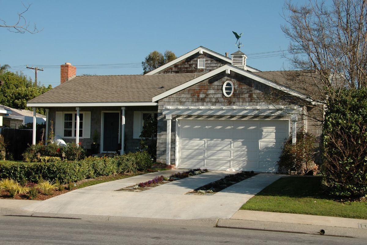 Garage Door Opener in Orion Charter Township MI By Elite® Garage Door, Repair & Installation Services
